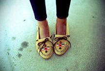 Shoes / by Carolina Sposto