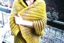 Pullover und Jacken