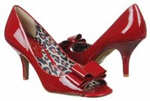 Shoes to Die For ! / by Gwyn Whelband