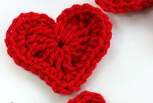 All you knit is love <3 / Crocheting and knitting instructions for Valentines´ day!