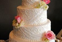 wedding cakes / by Melinda Banda