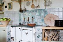 police do kuchyně