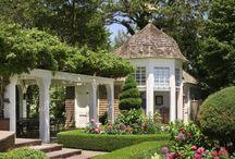 Garden Structures / Pergolas, arbors, trellises and other garden constructs