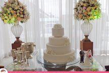 Bolo de Casamento dos Sonhos!  / Um sonho realizado e inesquecível com o Bolo de Casamento de Ana Barros Bolos contribuindo para esse momento especial! Noivinhos perfeitos por Ivânia Honório - https://www.facebook.com/biscuitvivo.ivaniahonorio