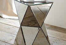 Side table / Sgabelli