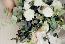 Wedding: Elegant toile, green and summer plum