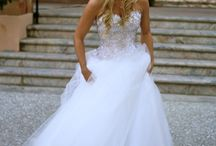 Gorgeous Wedding Dress  / by Rebecca Chatterton