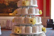 """""""I Do"""" mini Cakes"""