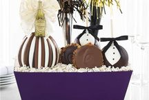 New Year's Eve / Ring in the new year with delectable confections and our exquisite Gourmet Caramel Apples. Repin to your own inspiration board.