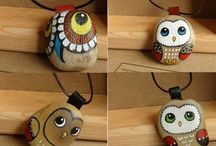 Painted rock jewellery I