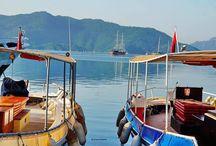 Vacanță în Marmaris, Turcia / Marmaris este situată într-un frumos golf la locul de întâlnire dintre marea Egee și marea Mediterană.
