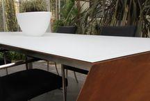 Glazen tafelbladen voor binnen en buiten / Tafelbladen van gehard glas zijn zowel geschikt voor binnen als buiten.