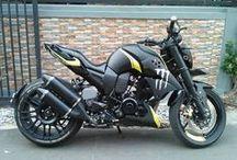 Motos R