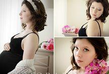 Pregnancy Glamour & Boudoir by Andreea Moraru