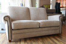 Dal nostro showroom: divano in pelle Chopper / Divani in pelle artigianali? Ecco il divano in pelle Chopper realizzato in vera pelle pieno fiore Nabuk con lavorazione laser.