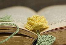 pembatas buku dan hiasan alat sekolah