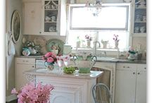 Shabby Chic Kitchens / by Marlene Bielawski