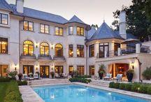 Merilane Avenue Residence / Martha O'Hara Interiors, Interior Design | Stonewood, LLC, Builder | Eskuche Architecture, Architecture | Susan Gilmore, Photography