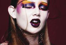 glam rock makeup