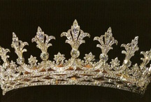 Uneasy lies the head that wears a crown / crowns