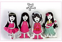 LUX LA MUÑECA / Muñeca de trapo, ilustrada por Lucrecia Aráoz. Impresa de ambos lados mediante la técnica de sublimación en tela microfibra. Packaging: mochila de plástico con detalles pink. facebook: lux la muñeca