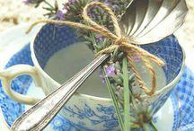 Vaisselle ancienne`•. ¸ ¸. ☆ / Les jolis plats d'antan, les souvenirs de grands-mère, le charme de la porcelaine