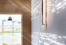 Flos verlichting | Van Oort Interieurs / Flos is een Italiaans familiebedrijf dat is opgericht in 1962. Ruim 50 jaar lang produceren ze bij Flos al lampen. Met deze lampen willen ze een stukje helderheid creëren in ieder interieur. Ze vinden bij Flos namelijk dat licht nieuwe ideeën kan uitlokken en emoties kan oproepen.