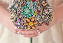 Brooch Wedding Bouquets / Beautiful bouquets designed with brooches instead of blooms