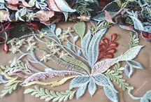 Декоративная вышивка / Различные виды вышивки для украшения одежды и интерьера