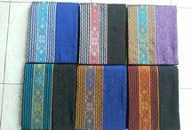 sentra tenun jepara / Kain tenun yang dikerjakan secara manual atau tradisional