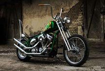 Twistin' Throttle / Motorcycle
