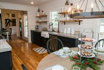 Modern Farmhouse Favourites / Modern farmhouse interior and exterior design, decor, and inspiration.