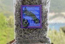 Βότανα και αρωματικά φυτά Αγίου Όρους / Βότανα και αρωματικά φυτά του Αγίου Όρους . Η καλλιέργεια τους γίνεται με παραδοσιακό τρόπο χωρίς φυτοφάρμακα και άλλου είδους χημικά. Τα βότανα είναι αυτοφυή φυτά, που αναπτύσσονται σε διαφορές άγονες ή και καλλιεργημένες περιοχές και τα οποία κατά διαφορά χρονικά διαστήματα μαζεύονται ή όπως συνήθως λένε, τα «βοτανίζουν».