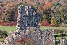 hrady, zámky, kaštiele, paláce, ...