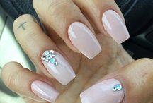 paznokcie kryształki
