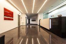 """Офис банка """"UBS"""" в Москве / UBS Group AG - крупнейший швейцарский финансовый конгломерат. """"UBS"""" - один из первых иностранных банков, открывших свое представительство в Москве еще в 1996 году. ОРТГРАФ КОМПАНИ поставила для пола в офисе банка ковровые покрытия CARPET CONCEPT (Германия) из коллекции Ply Organic Water. Красивая волна, не правда ли?"""