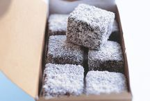AUSTRALIA LOVES LAMINGTONS