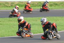 Pocketbikes / Motos pequenas voltadas para a diversão sem deixar o lado das pistas de lado.