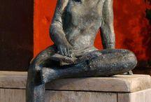 Beelden Marianne Dijkstra / Sculptures, statues made bij the artist Marianne Dijkstra.