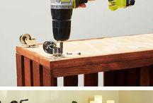 Paletten und Holzkisten