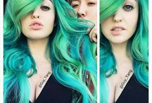 blue and green hair / colorful