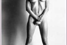 HNewton - Big Nudes / The Big Nudes Portfolio, Paris 1981 - 1982 © Helmut Newton Estate