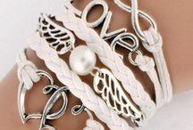 bracelets / bracelet