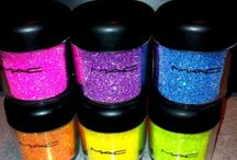MAC Make Up / All the colours of the rainbow and more for pretty boys and girl..!