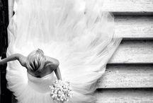 Bride and staircase entrance / wedding dresses