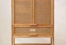 Cabinets & Vitrinas