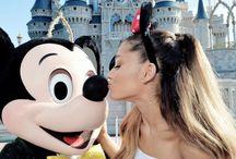 Ariana Disneyland / Ariana in Disneyland