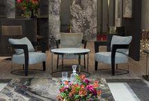 Longhi / Мебель, которую создает Longhi: диваны, столы, кресла, пуфы, шкафы, раздвижные двери из стекла, мебель для столовых зон и спален, — все немыслимо просто, возвышенно и продуманно, превосходно сочетает содержание и форму. От коллекции к коллекции бренду удается выдержать архистильный эффект свободы пространства, прозрачности и невесомости.