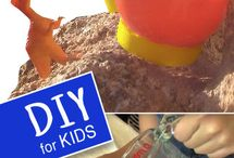 Bath Bomb & Soap Making for Kids / These are easy bath bomb & soap making techniques that can be done with kids.