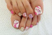 Toe nails